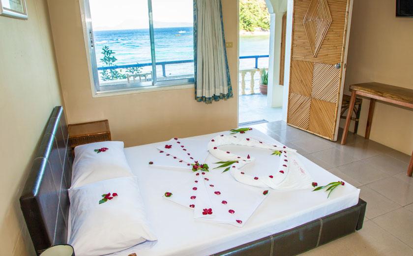 campbells beach resort puerto galera deluxe room