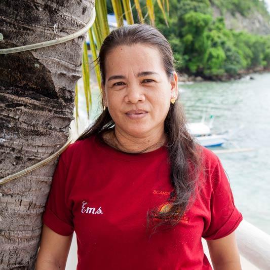 minday scandi divers resort housekeeper