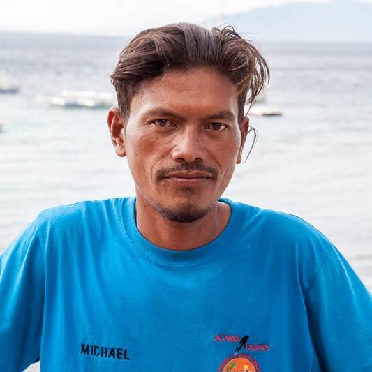 sscandi divers resort mechanic michael